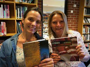 Strikk og lyrikk med Nini Karine og Anne Katrine @ Bærum bibliotek, Høvik
